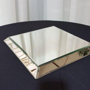 Mirror_Tile_Raised_Square