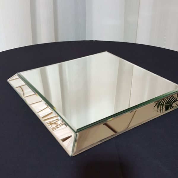 Mirror_Tile_Raised_Square